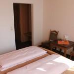 Zimmer - Einrichtung - Bett
