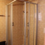 Zimmer - Bad - Dusche